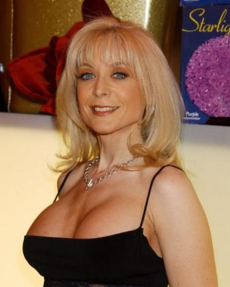 Cheating Housewives-Nina Hartley